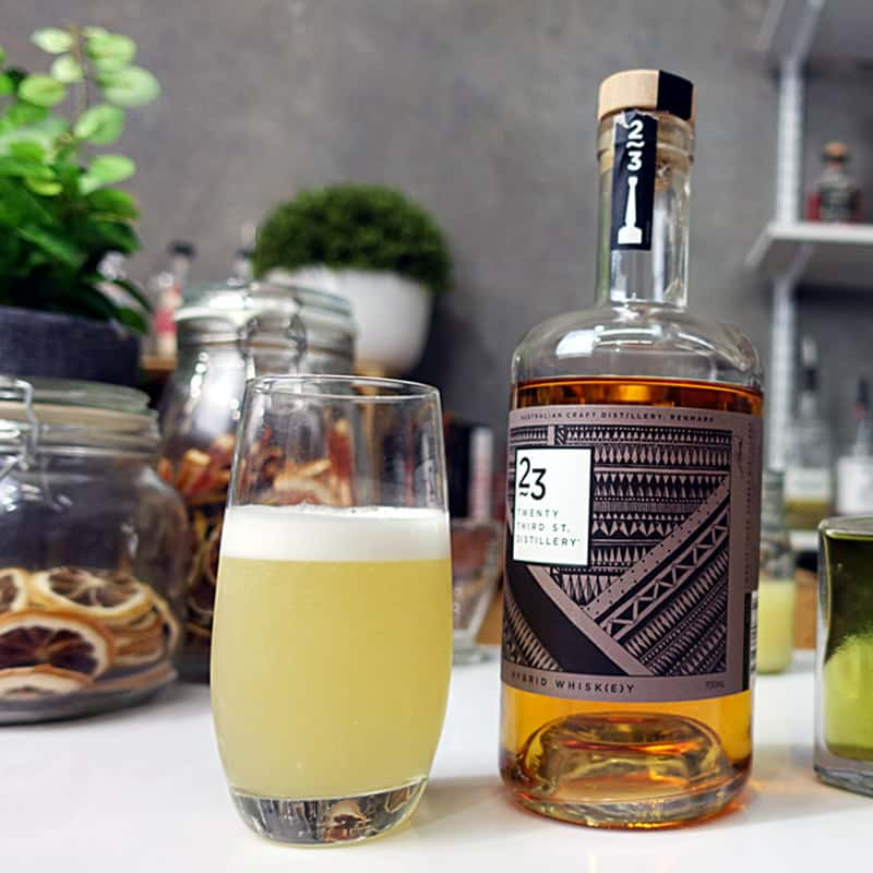 Whiskey Fizz Cocktail